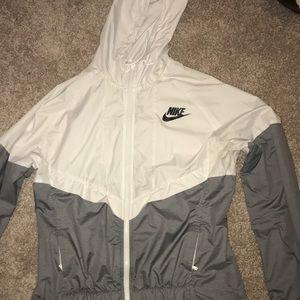 Nike Windbreaker (gray & white)